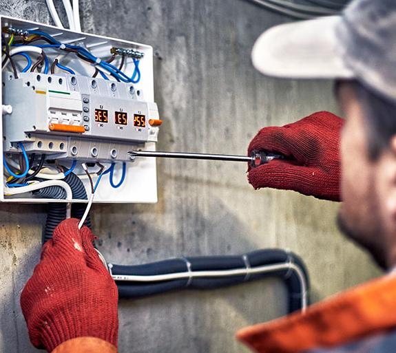 ตรวจสอบระบบไฟฟ้าภายในโรงงาน สำคัญหรือไม่